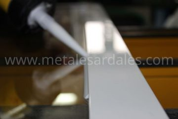 ventana sellado de silicona